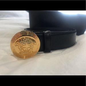 Versace Men's Belt 🐍